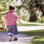 Как научить ребенка сидеть спокойно?