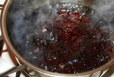варенье пригорело как отмыть кастрюлю