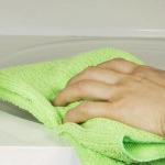 Как очистить микроволновку за 5 минут?